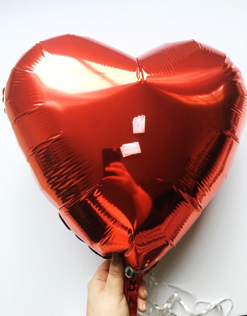 diy-valentines-2017-conversation-heart-balloons-2