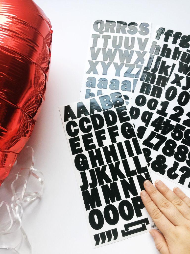 diy-valentines-2017-conversation-hearts-balloons-3