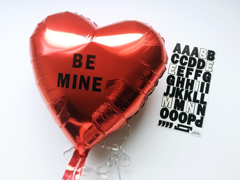 diy-valentines-2017-conversation-hearts-balloons-6