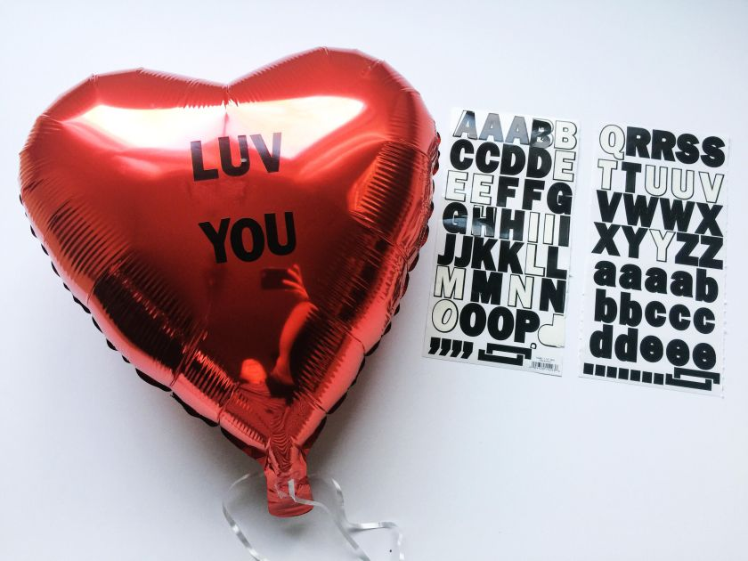 diy-valentines-2017-conversation-hearts-balloons-7